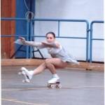 Martina Trevisani mentre esegue una trottola abbassata.
