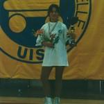 Pamela con la maglia di Campionessa d'Italia, la coppa e lo scudetto tricolore