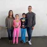 Gli allenatori Ivan Bovara e Laura Marzocchini con Alba e Kevin
