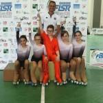 ivan-bovara-con-alcuni-atleti-ai-giochi-giovanili-regionali