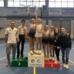 il-team-dei-diavoli-verde-rosa-con-gli-allenatori-ivan-bovara-e-laura-marzocchini