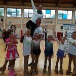 ivan-e-laura-con-le-atlete-della-conero-roller-e-diavoli-verde-rosa